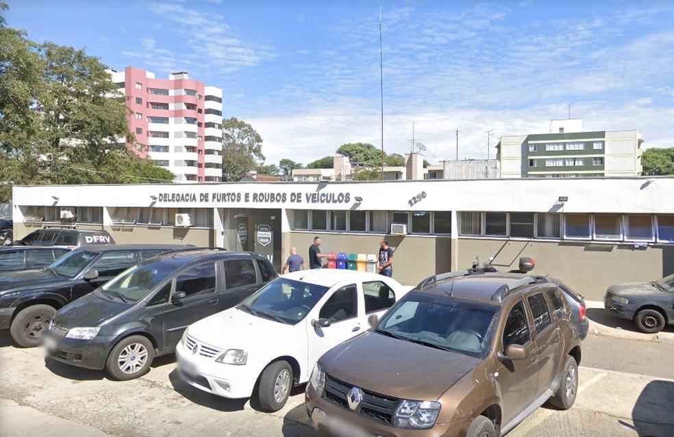 Delegacia de Furtos e Roubos de Veículos de Curitiba — Foto: Reprodução/Google Street View