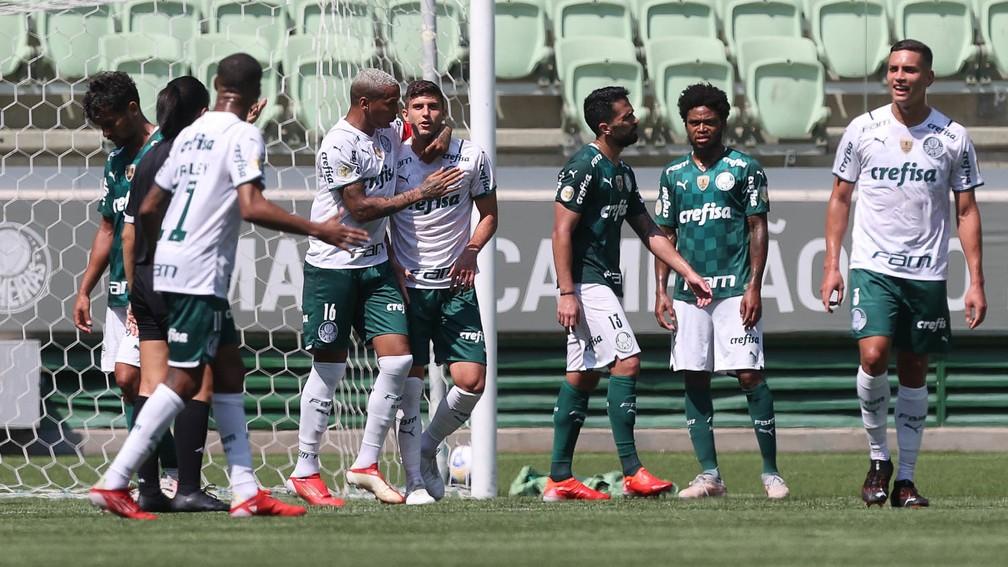 Jogadores do Palmeiras disputam jogo-treino no Allianz Parque — Foto: Cesar Greco