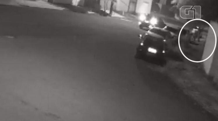Em ligação ao 190, mulher diz que ninguém tentou ajudar soldado baleado por sargento em Araras