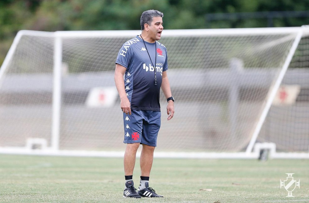 Marcelo Cabo comanda primeiro treino no Vasco — Foto: Rafael Ribeiro/Vasco