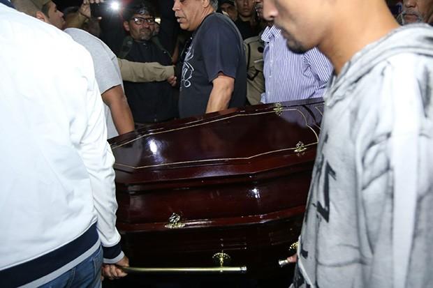 Corpo de Mr. Catra é velado no Rio de Janeiro (Foto: Daniel Pinheiro/AgNews)