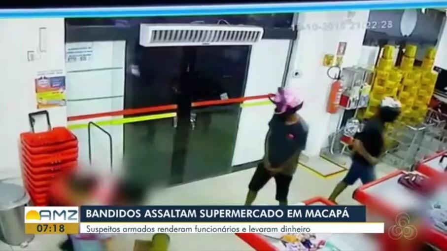Dupla armada rende funcionários e leva R$ 5 mil de supermercado no AP; VÍDEO