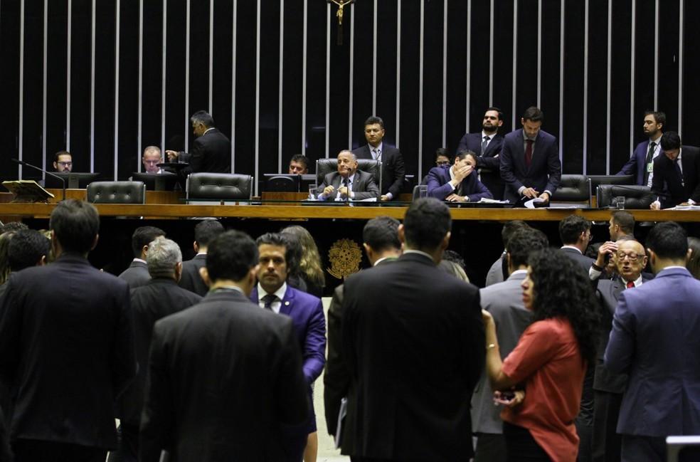 Deputados reunidos no plenário da Câmara durante a sessão da última quarta-feira (28) — Foto: Vinicius Loures/Câmara dos Deputados