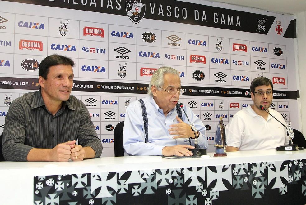 Zé Ricardo, Eurico Miranda e Euriquinho em apresentação do novo treinador do Vasco (Foto: Paulo Fernandes / Vasco)