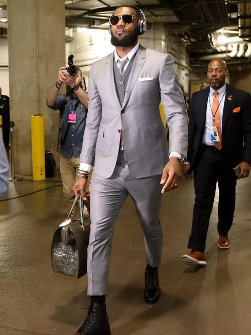 LeBron James vestiu Thom Browne no Cleveland Cavaliers antes de ir para os Lakers (Foto: Getty Images)
