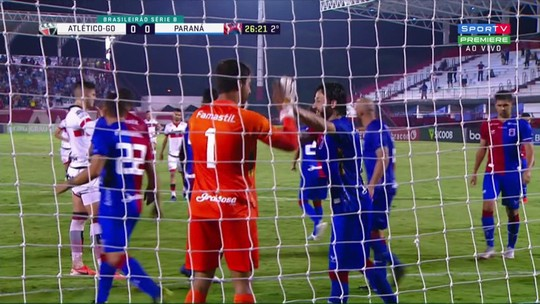 Atlético-GO 1x0 Paraná: veja o pênalti defendido por Alisson, o gol e os melhores lances do jogo