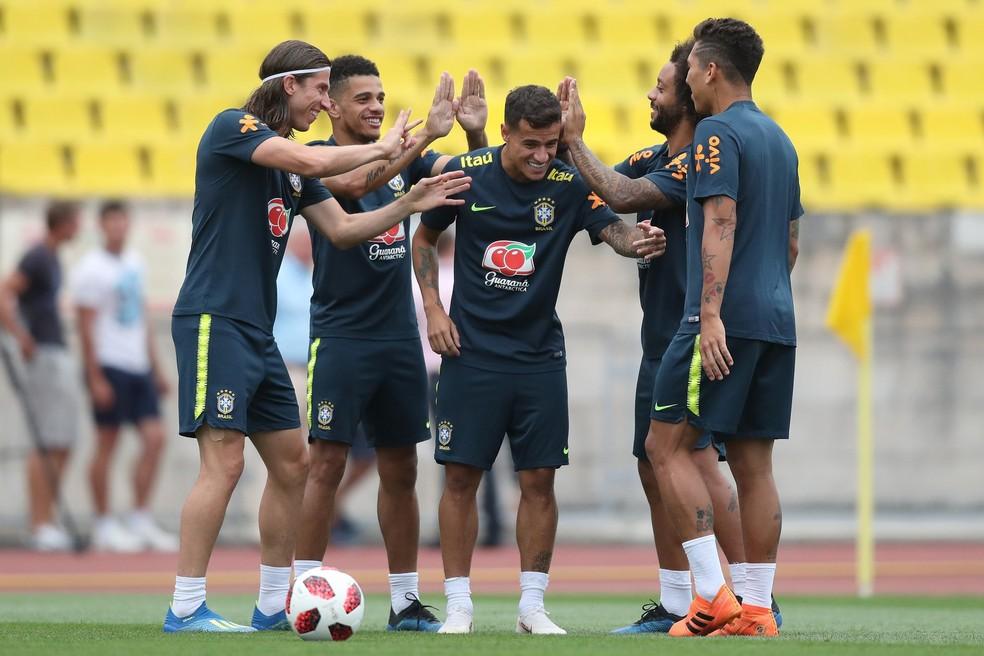 Paulinho faz treino regenerativo à parte, e Seleção se despede de Sochi após 24 dias (Foto: Lucas Figueiredo/CBF)