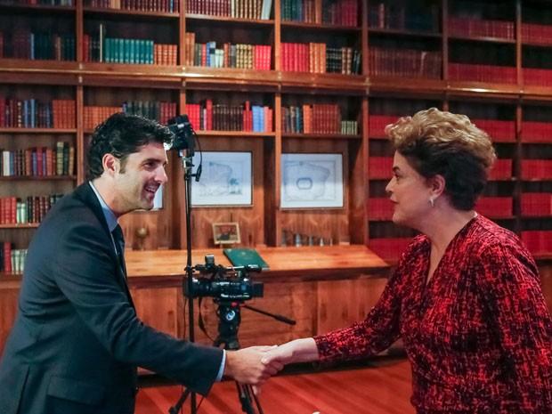 Dilma concedendo entrevista ao Russia Today (Foto: Roberto Stuckert Filho/PR)