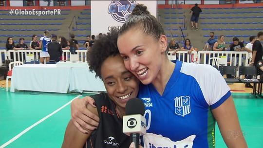 """Foto com Natália causa """"rixa"""" com Gabi e agita vitória do Minas nos playoffs da Superliga"""