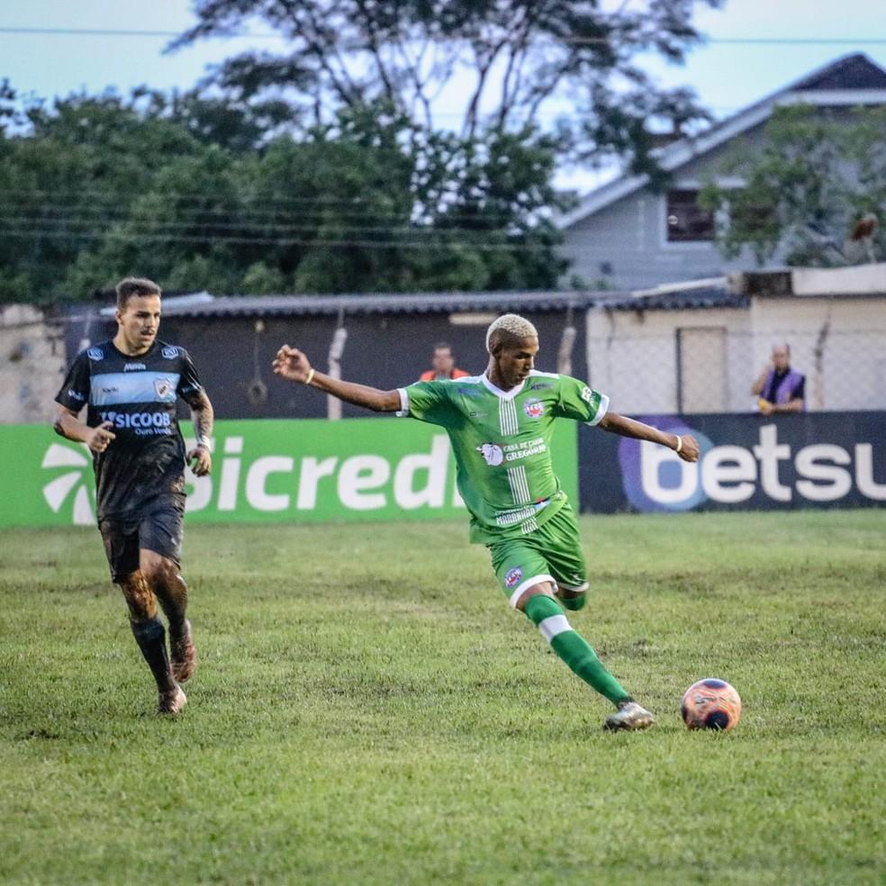 Timon fez boa partida, mas saiu da competição para o Londrina — Foto: Vagner Jr./Coluna do Futebol