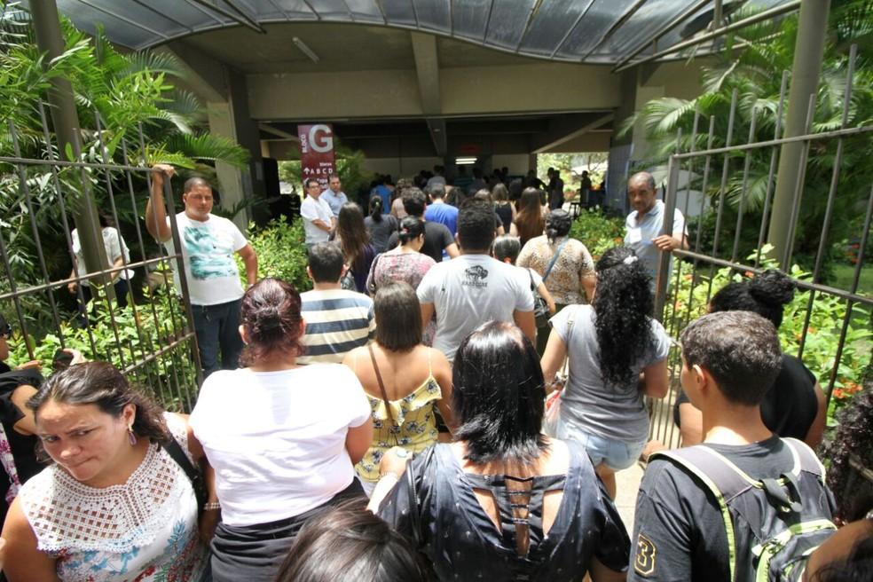 Universidade Católica de Pernambuco foi um dos locais de prova do Enem 2017 no Recife (Foto: Marlon Costa/Pernambuco Press)