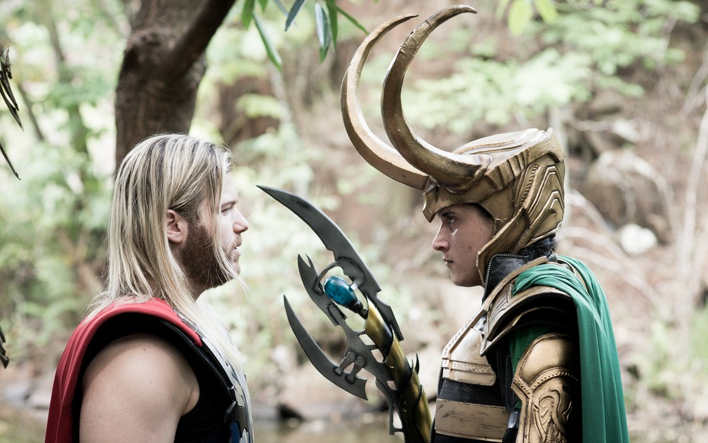 Thor e Loki em Ribeirão Preto; Grassi e Jonatan Medeiros ficaram amigos por causa do cosplay (Foto: Érico Andrade/G1)