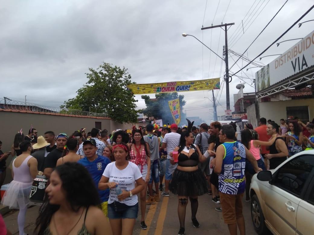 Tradicional Bloco dos Sujos anima foliões no carnaval de rua neste domingo em Rio Branco