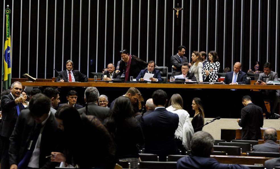 Deputados no plenário da Câmara para análise da proposta que acaba com progressão de regime para quem matar policial (Foto: Luis Macedo/Câmara dos Deputados)