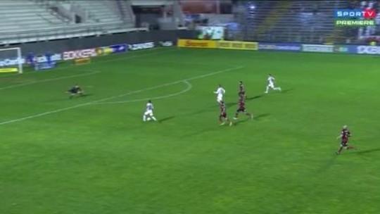 Avaí perde gol incrível aos 40 do 2° tempo e sofre empate do Brasil um minuto depois