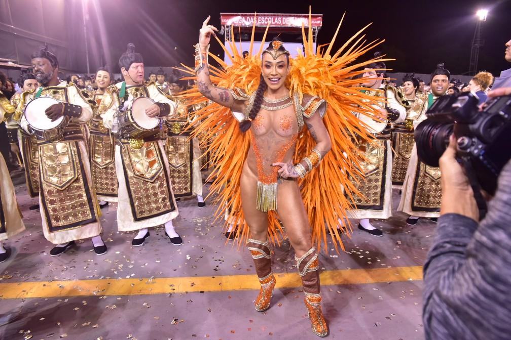 Dani Bolina desfila pela Unidos de Vila Maria — Foto: Leo Franco / AgNews