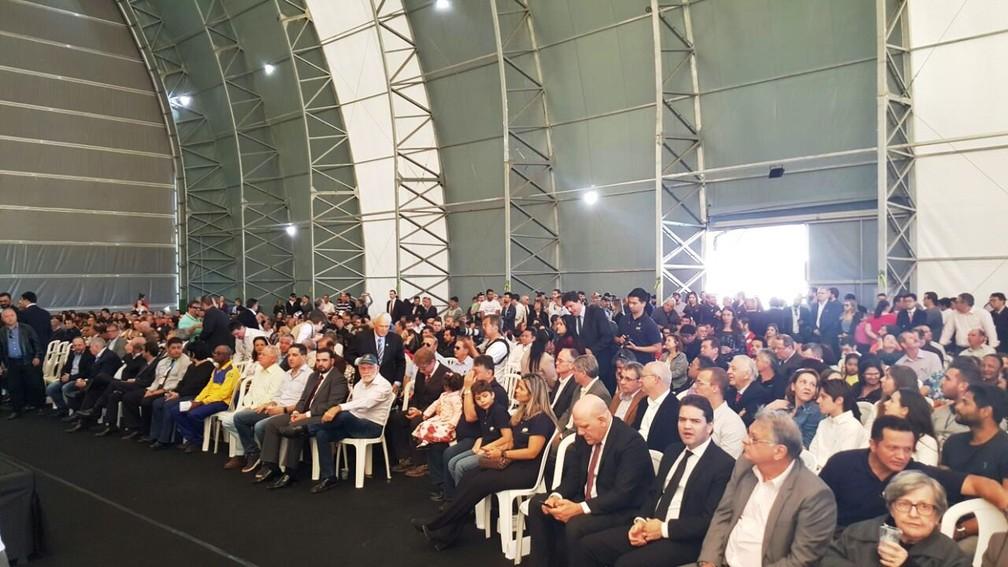 Cerimônia de lançamento do 1º dirigível da América Latina (Foto: Ana Marin/G1)