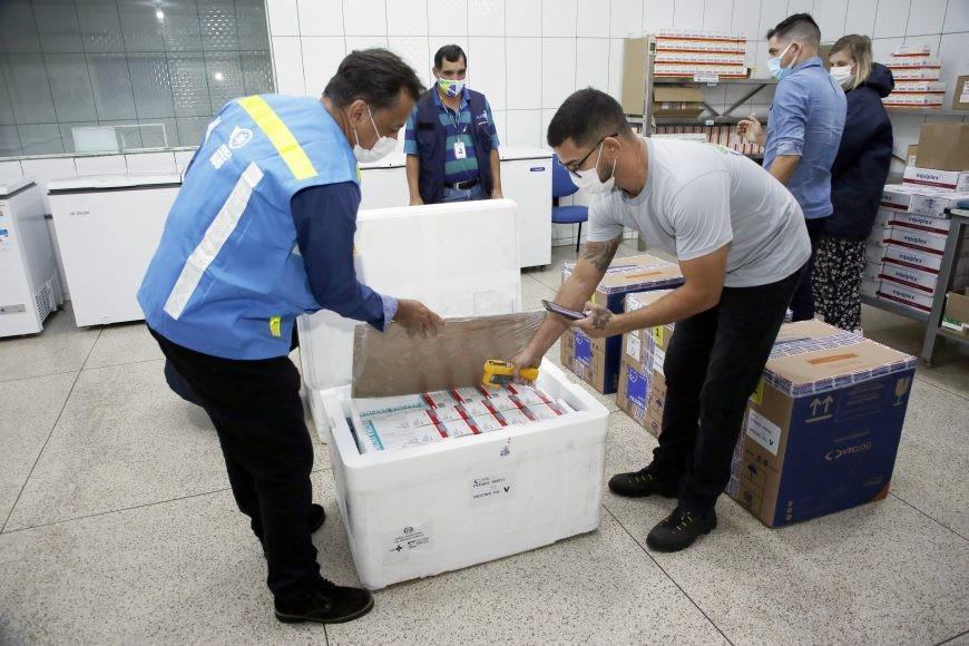 Quase 80 mil doses de vacinas contra a Covid-19 são enviadas para os municípios de Rondônia