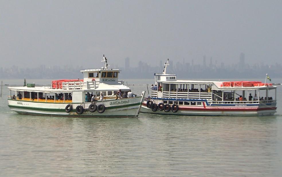 Lanchas e sistema ferry-boat estão proibidos de circular nos dias 1 e 2 de maio — Foto: Reprodução/TV Bahia