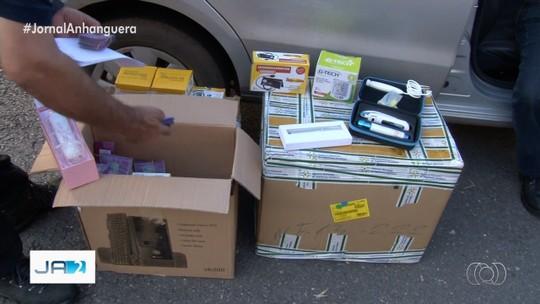 Anvisa e a polícia confiscam remédios falsos em farmácia de Goiânia