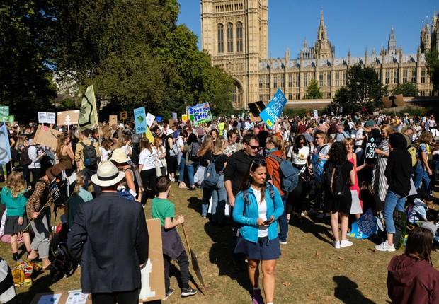 Manifestantes em Londres, no Reino Unido (Foto: Matthew Chattle / Barcroft Media / Barcroft Media via Getty Images)