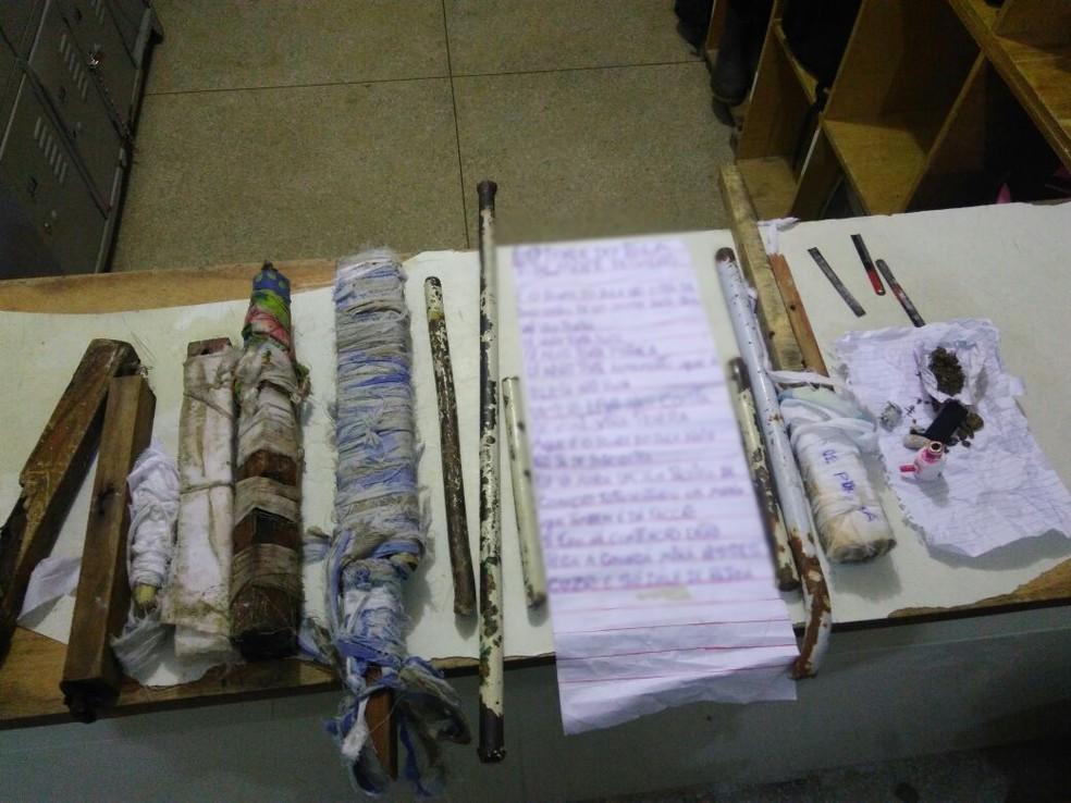 Objetos foram encontrados com os reeducandos (Foto: Divulgação/Polícia Militar)