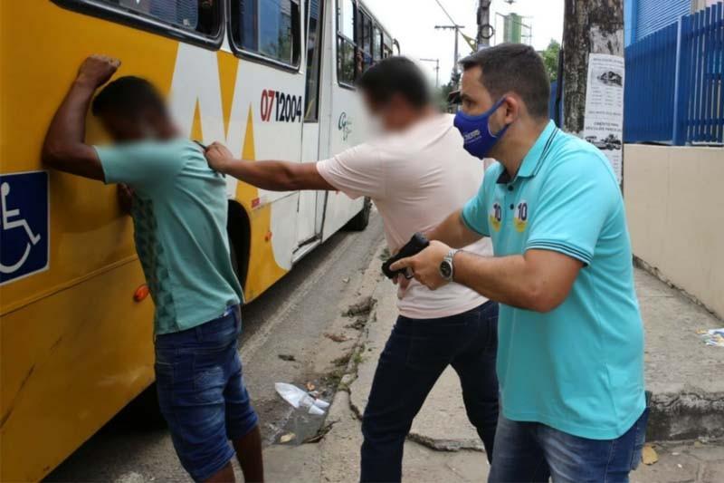 Policiais da 11ª Cicom foram acionados para realizarem a prisão