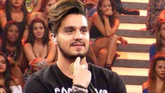 Igual ao Luan Santana? Vocalista do Kanoa, do 'SuperStar', comenta corte de cabelo estilo sertanejo