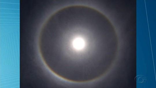 Fenômeno do halo solar chama a atenção no céu de Alagoas