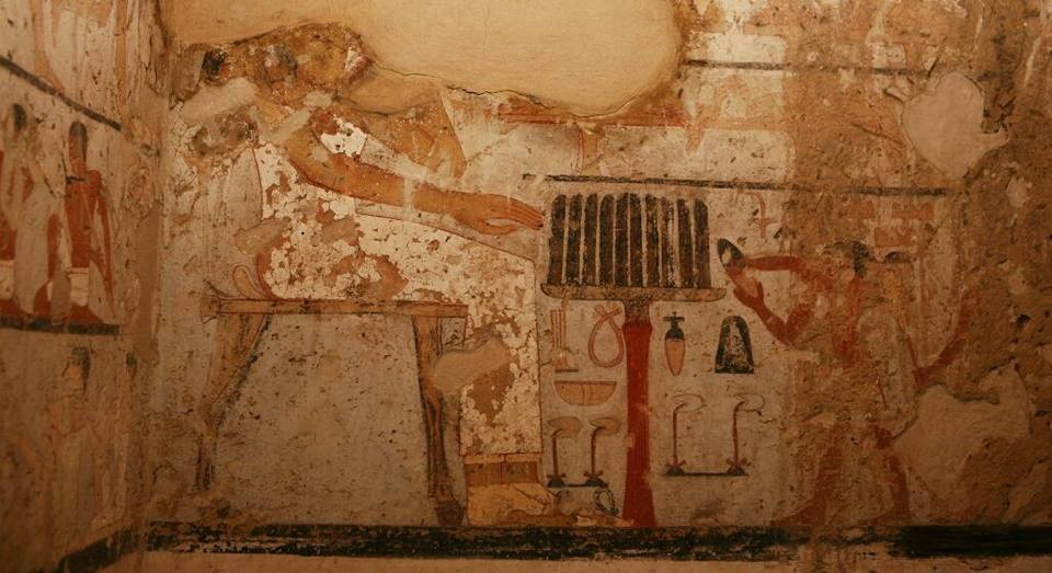 Pinturas na parede da recém descoberta tumba de Heptet. (Foto: Ministry of Antiquities )
