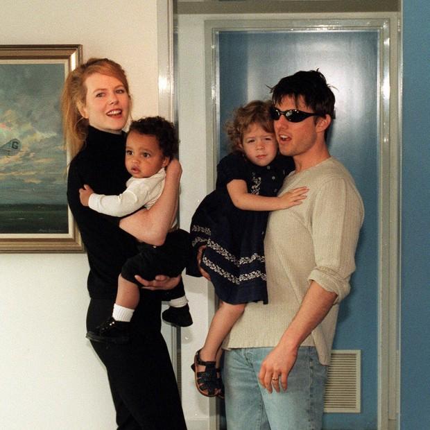 Nicole Kidman e Tom Cruise com Connor e Isabella em 1996 (Foto: Getty Images)