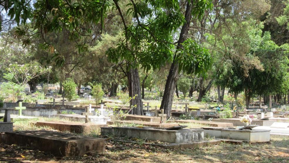 Cemitério Campo da Esperança, em Brasília (Foto: Raquel Morais/G1)