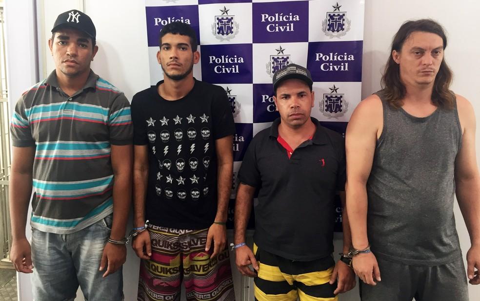 Grupo foi preso em uma casa  no distrito de Berimbau, em Conceição do Jacuípe (Foto: Divulgação/Polícia Civil)