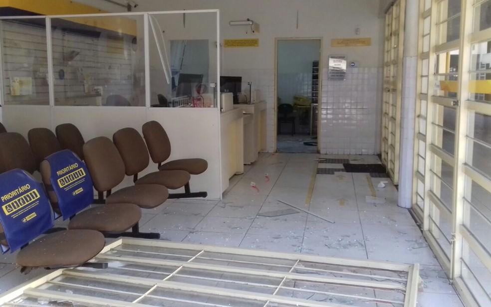 Explosão foi mair na agência dos Correios de Aparecida, segundo policiais.  (Foto: Beto Silva/TV Paraíba)