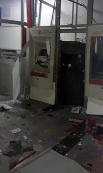 Grupo explode caixas eletrônicos em agência bancária de Mombuca
