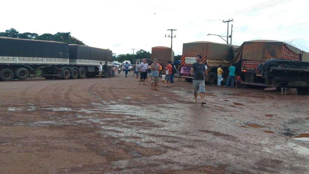 Oito rodovias estaduais estão interditadas nos protestos dos caminhoneiros; já são 15 rodovias bloqueadas parcialmente