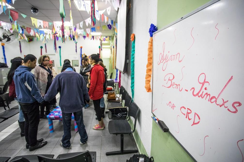Reuniões da ONG Séforas são realizadas no Centro de Referência da Diversidade, órgão da Prefeitura localizado na Rua Major Sertório. Ao final, um jantar é oferecido aos participantes (Foto: Fábio Tito/G1)
