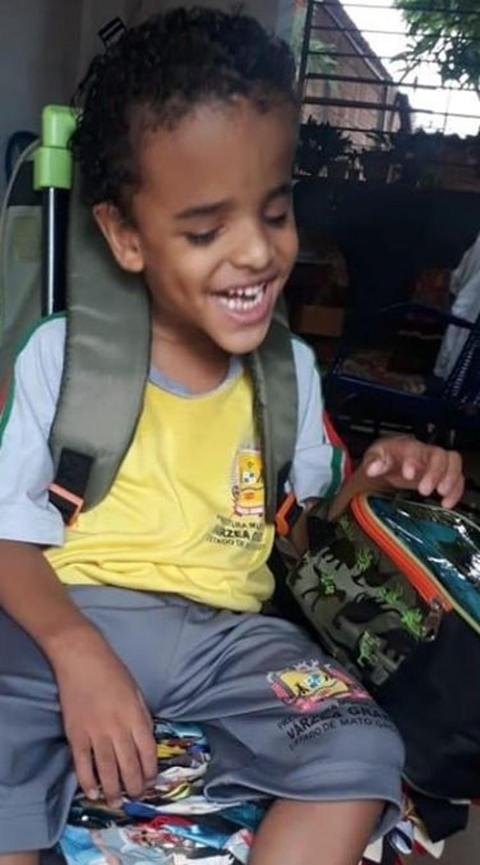 Enzo Daniel Borges Campos tinha 5 anos e morreu por complicações da Covid-19 em Várzea Grande — Foto: Arquivo pessoal