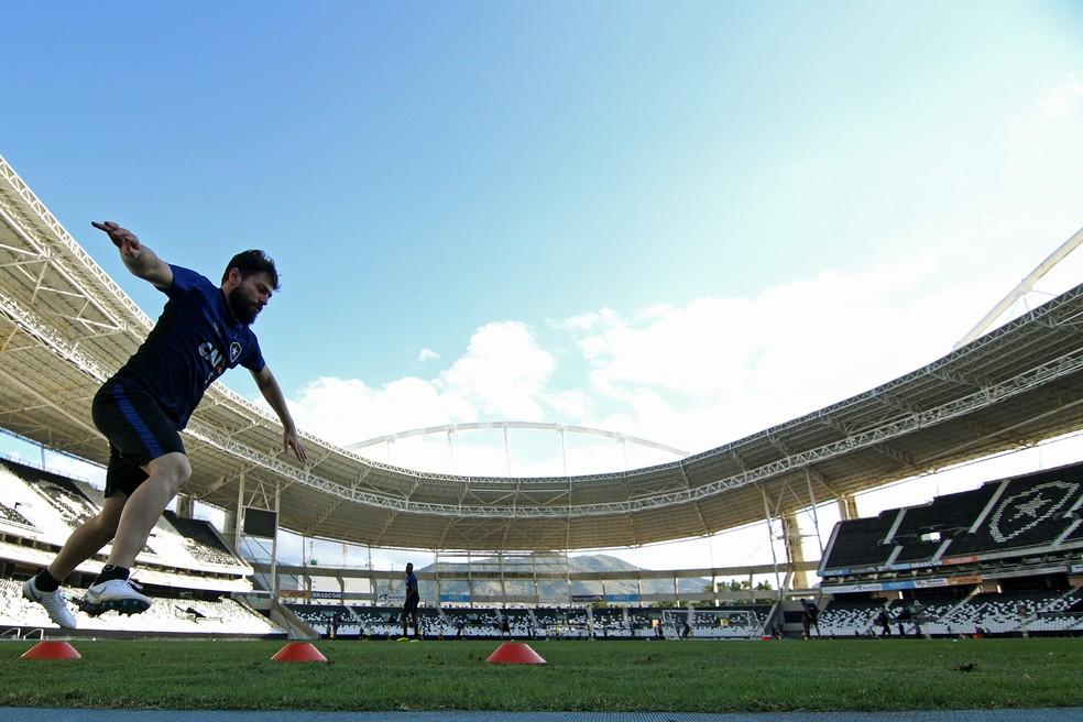 João Paulo treina no NIlton Santos — Foto: Vitor Silva/SSPress/Botafogo.