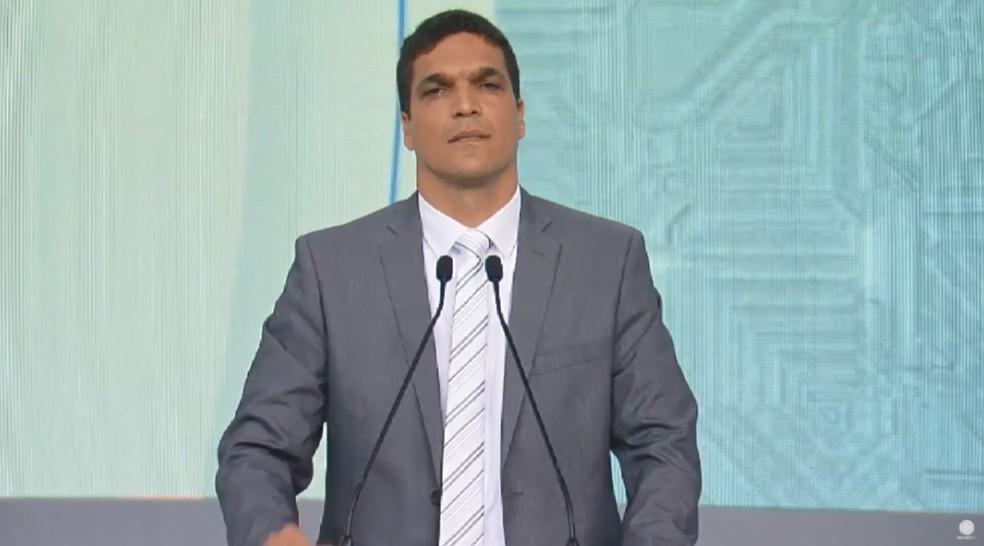 O candidato do Patriota à Presidência, Cabo Daciolo, durante debate na Rede Record — Foto: Reprodução