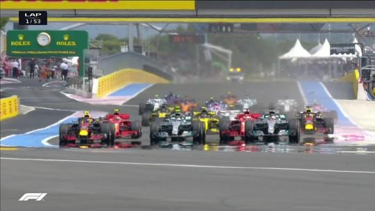 """Max ironiza em pergunta sobre batida de Vettel: """"Deviam pedir que mude jeito de guiar"""""""