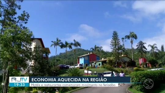 Hotéis e restaurantes do Sul do Rio comemoram movimento de Ano Novo