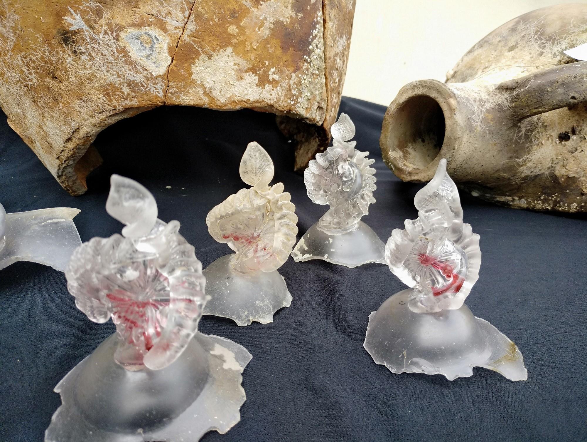 Tesouros de vidro são encontrados na costa do Mar Negro, na Bulgária (Foto: Bourgas Municipality)