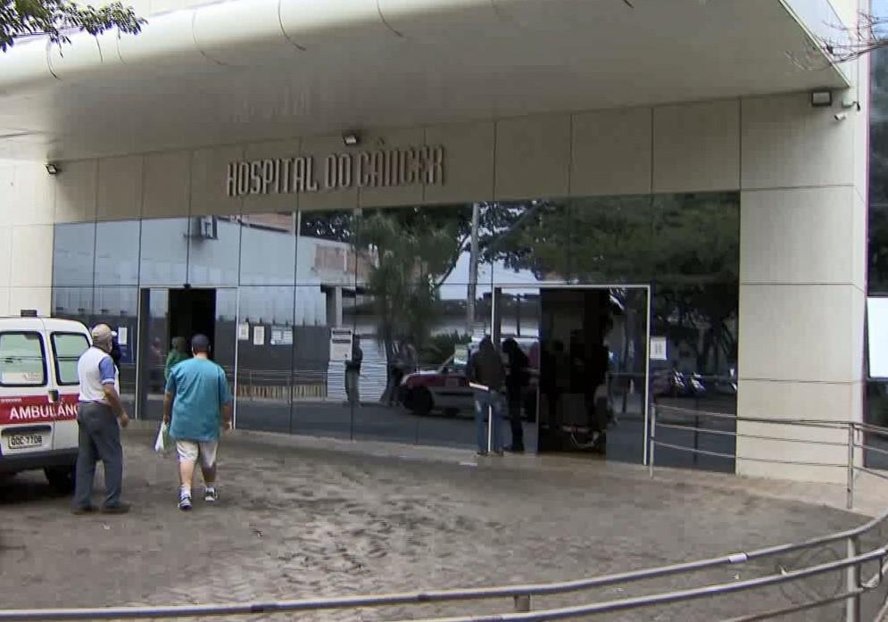 Pacientes com câncer têm tratamento interrompido devido à pandemia da Covid-19 em Uberlândia