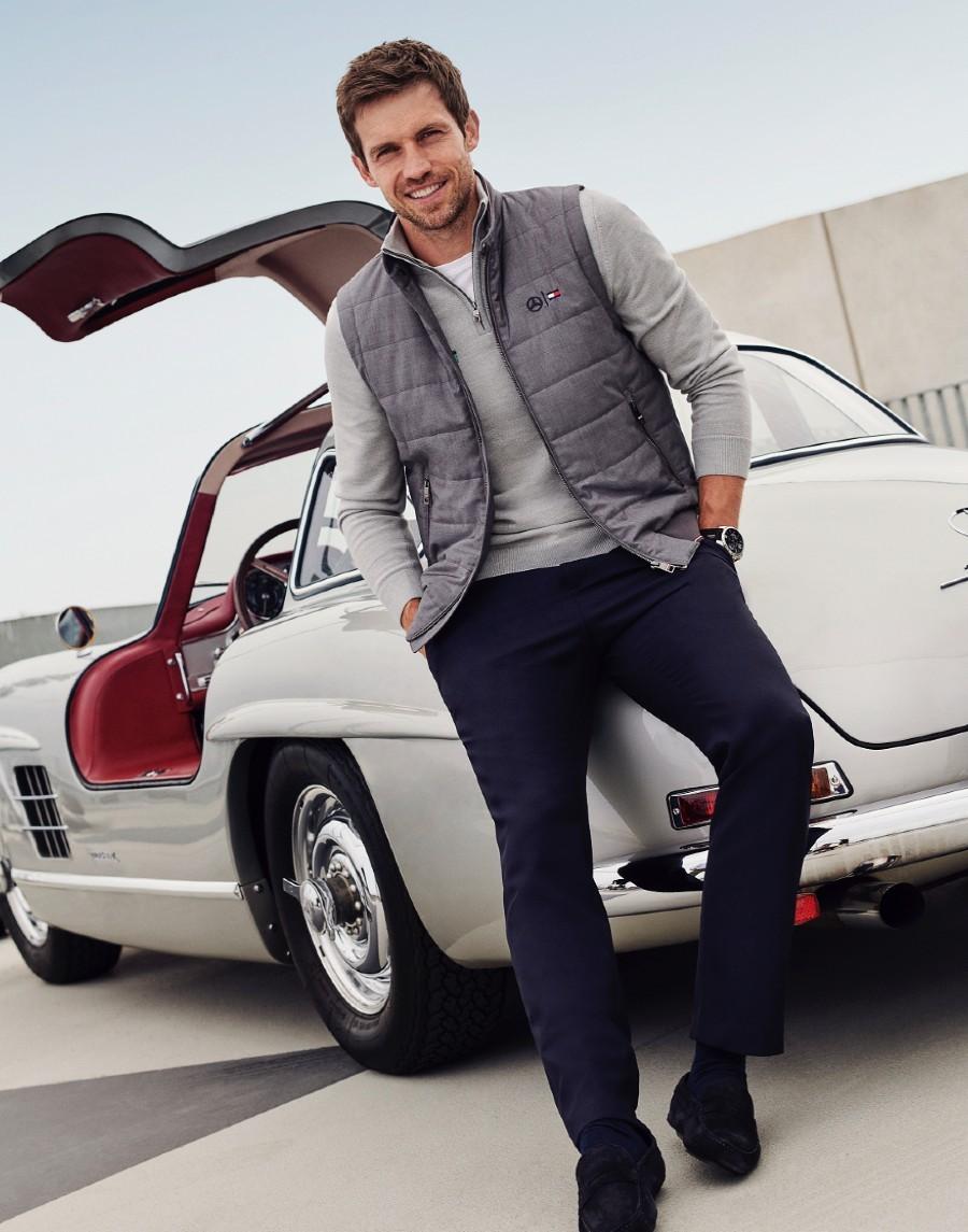 Tommy Hilfiger e Mercedes-Benz se juntam para coleção cápsula com clássicos atemporais (Foto: Divulgação)