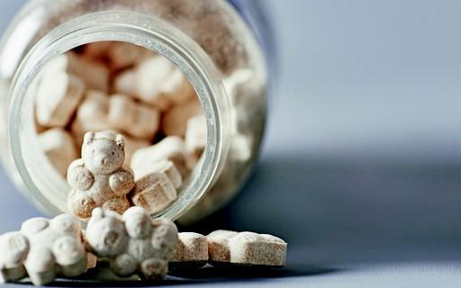 """Sono: """"bala"""" de melatonina para fazer a criança dormir?"""
