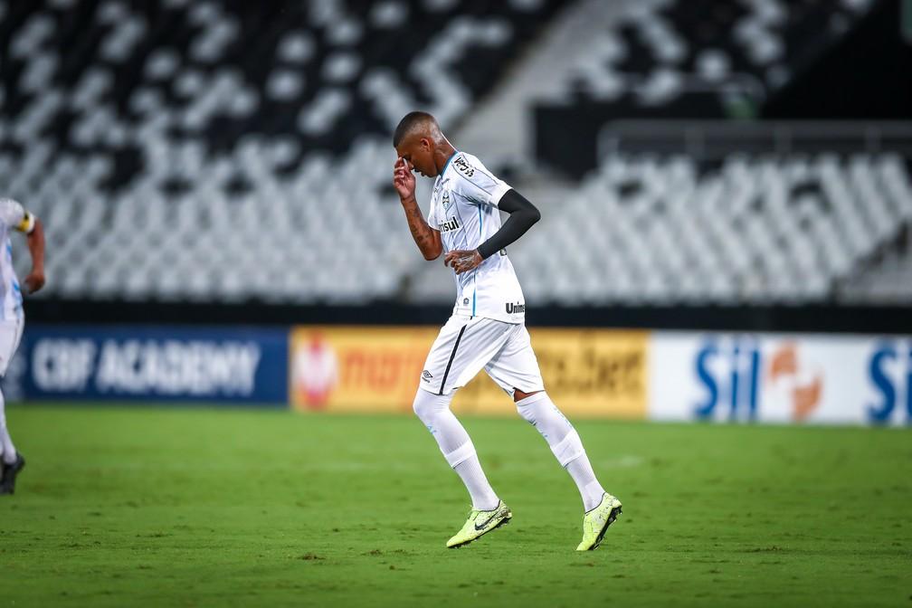 Jean Pyerre comemora gol do Grêmio sobre o Botafogo — Foto: Lucas Uebel/Grêmio