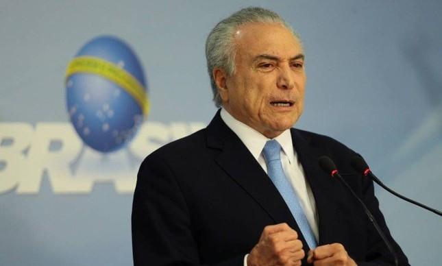 O presidente Michel Temer faz pronunciamento, no Palácio do Planalto após a Câmara dos Deputados arquivar processo de corrupção contra ele