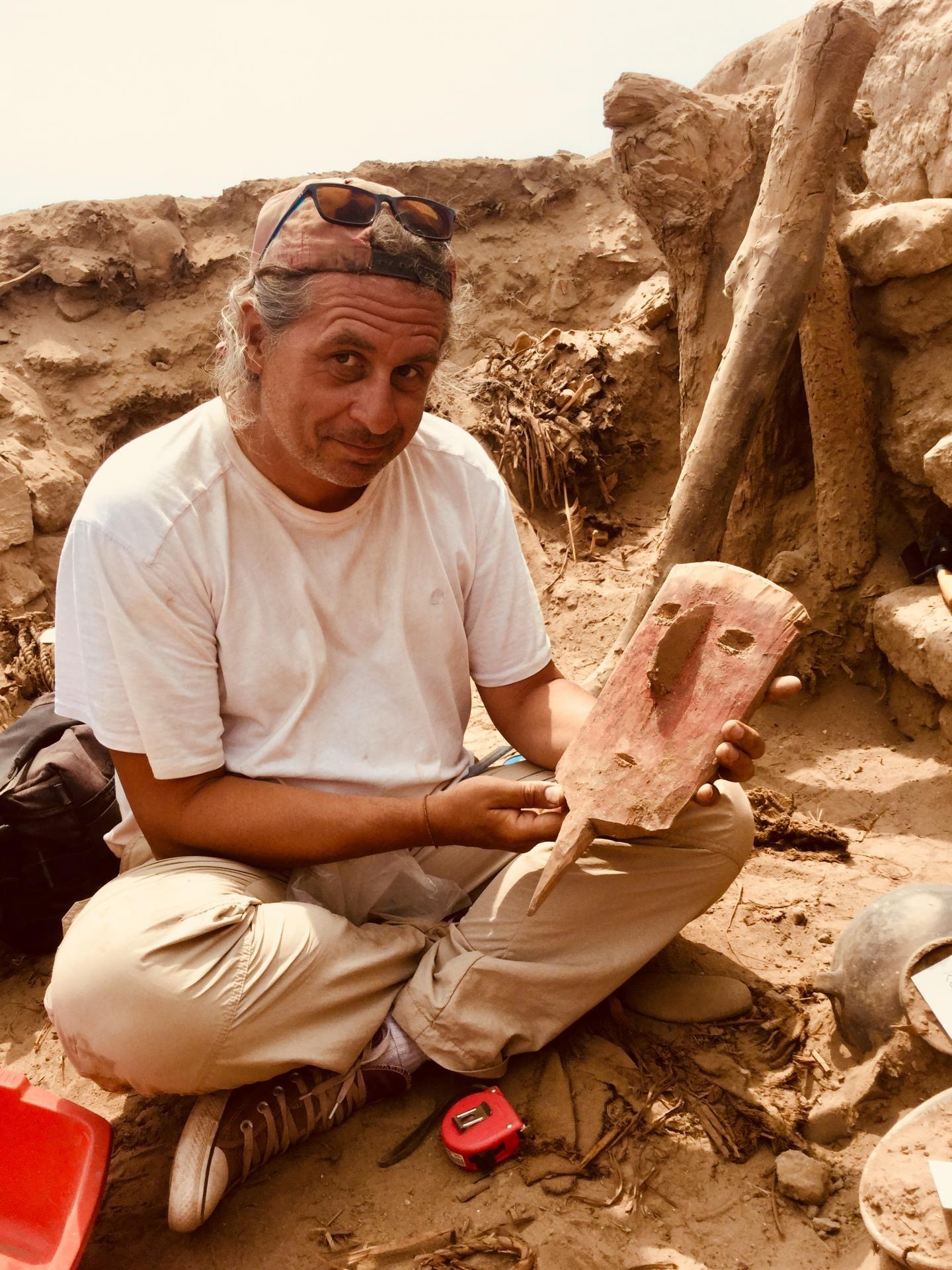 O arqueólogo Peter Eeckhout durante as escavações em Pachacamac, no Peru (Foto: ULB P. EECKHOUT)