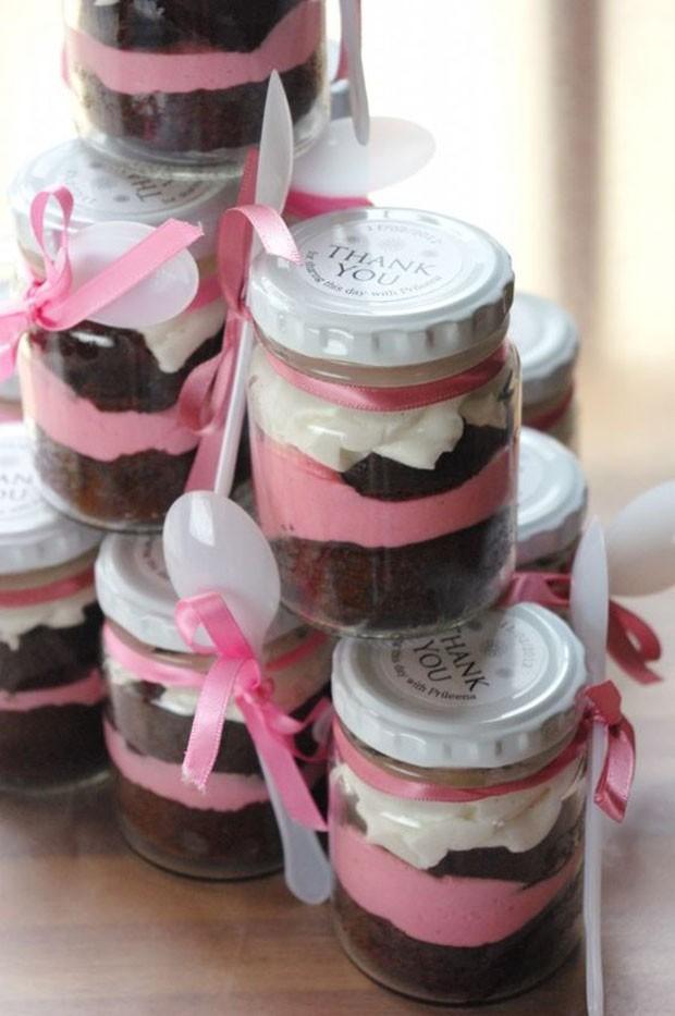 Lembrancinhas de casamento: Cupcake no pote (Foto: Pinterest/Reprodução)